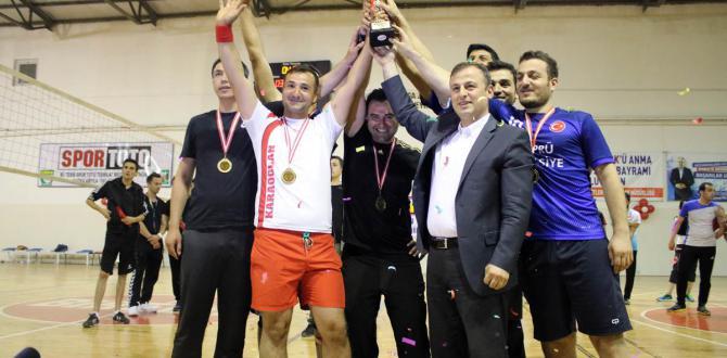 Birecik te kurumlar arası voleybol turnuvası düzenlendi