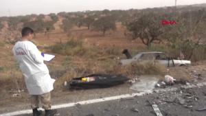 Nizip'te İki Otomobil Çarpıştı: 2 Ölü, 5 Yaralı