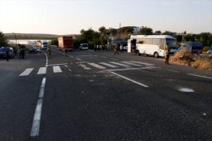 Şanlıurfa'da askeri midibüs ile TIR çarpıştı: 1 asker şehit oldu
