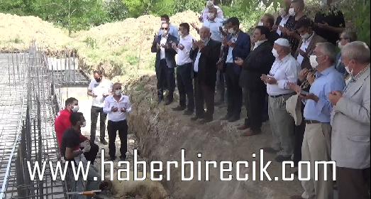 Ticaret ve Sanayi Odası Başkanı Sadettin Bilgin Cami Külliye inşaatının temel atma törenini gerçekleştirdi