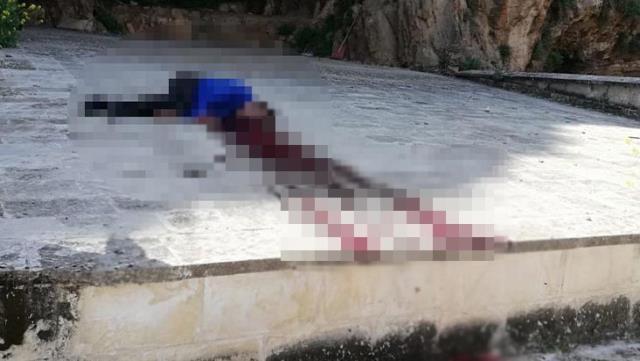 Kalede kanlar içerisinde bulunan erkek cesedi